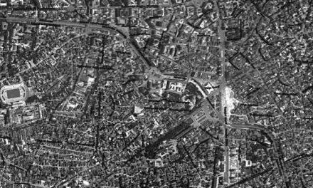 Formă fără fond. Proiect București 2000