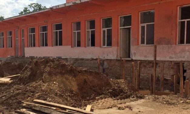 Lucrări fără autorizaţie de construcţie vor putea fi efectuate, în anumite condiţii, la unităţi de învăţământ care sunt monumente istorice