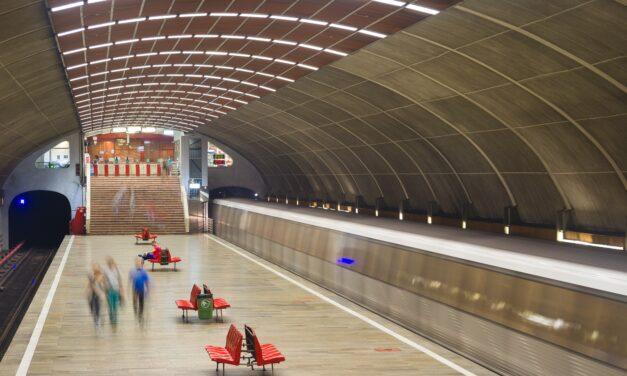"""Studenții UAU """"Ion Mincu"""" ar putea contribui la renovarea stațiilor de metrou"""